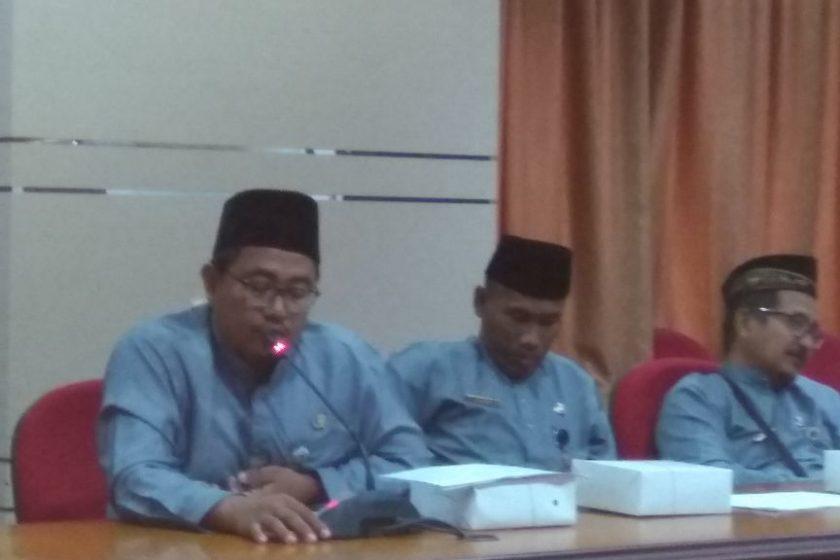 Peserta Kadarkum sedang mendengarkan paparan materi dari narasumber
