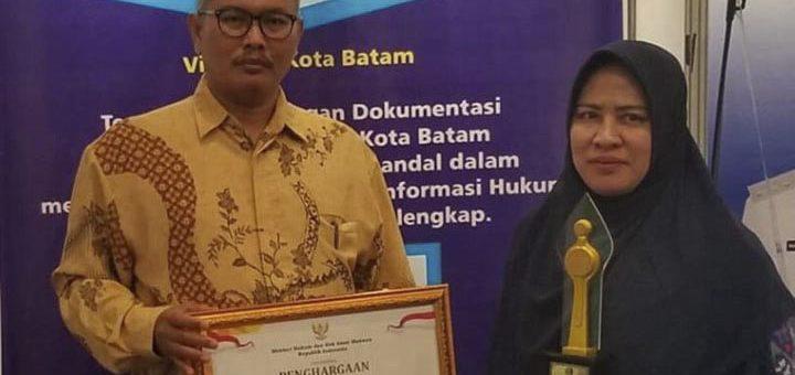 Walikota Batam Terima Penghargaan Anggota JDIHN Terbaik Harapan II Tahun 2019